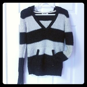 GARAGE knitted V neck sweater with hood, size M